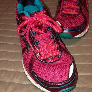 Brooks GTS shoes